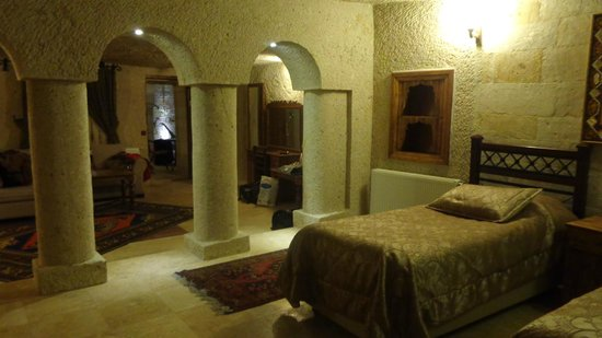 Dervish Cave House: cave room