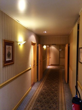 Hotel L'Echiquier Opera Paris - MGallery Collection: hallway to the room