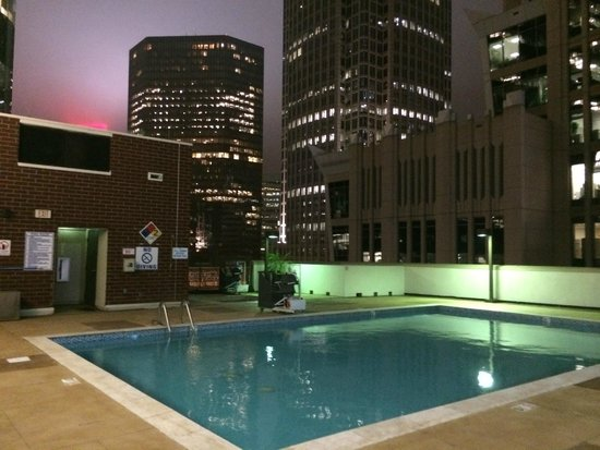 Roof Top Pool Picture Of Holiday Inn Charlotte Center City Charlotte Tripadvisor