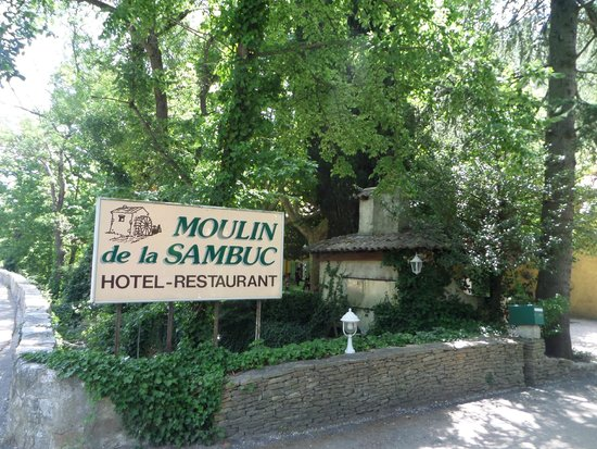 L 39 entr e du restaurant picture of moulin de la sambuc saint zacharie - Moulin de la borderie ...