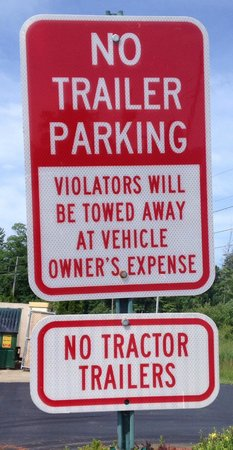 La Quinta Inn & Suites Erie: No Semi Trailers Or Vehicles Towing Trailers