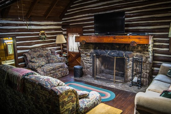 Hominy Ridge Lodge and Cabins