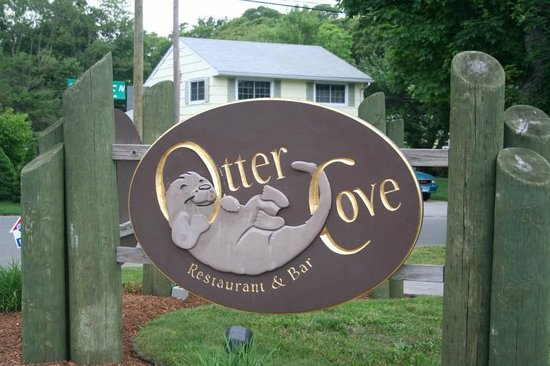 New entrance sign picture of otter cove restaurant old for Old saybrook fish house