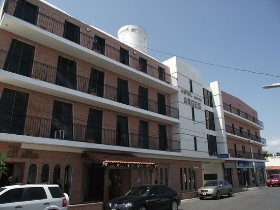 Photo of Hotel & Suites Arges Chetumal