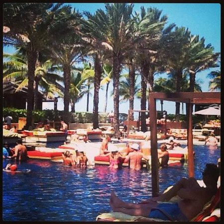 Cain Pool Picture Of The Cove Atlantis Autograph Collection Paradise Island Tripadvisor
