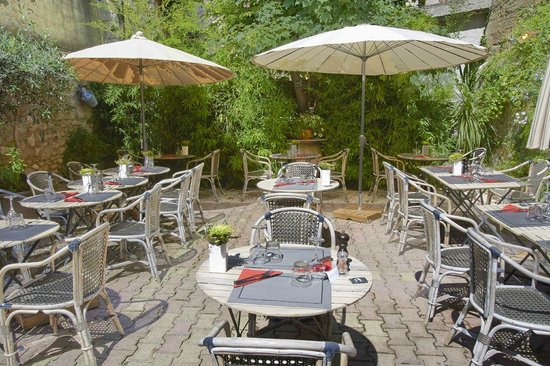 Au petit jardin uzes restaurant reviews phone number for Au petit jardin proven
