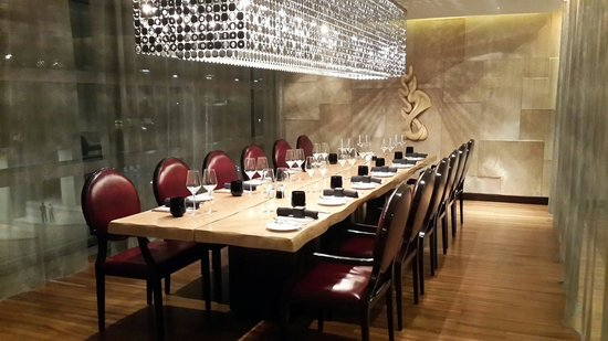 Private dining room picture of marco pierre white grill for Best private dining rooms dubai