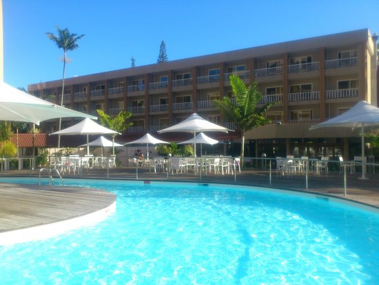 La piscine picture of le parc noumea tripadvisor for Piscine grand parc