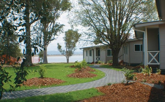 Lake Somerset Holiday Park: Cabin with a View