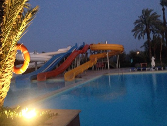 Aqua park picture of atlas targa resort marrakech for Aqua piscine otterburn park