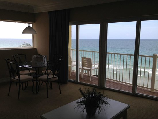Sun Tower Hotel & Suites on the beach: Suite