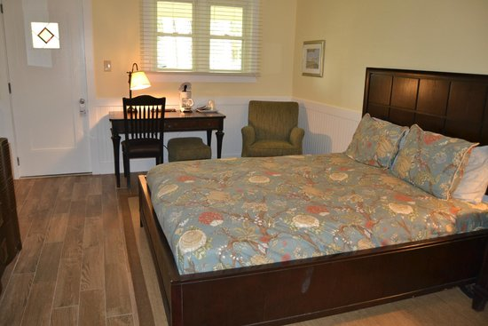 Meris Gardens-Bethany Bed & Breakfast