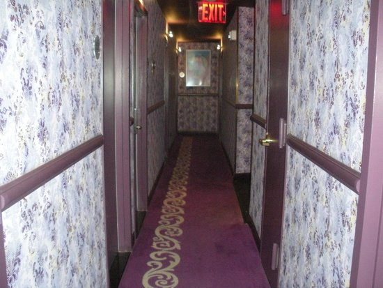BEST WESTERN PLUS President Hotel at Times Square Photo: no space for ...