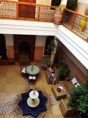 Riad Atlas Guest House: common area