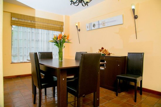 Batians Peak Serviced Apartments: Dining area - Executive two Bedroom Luxury apartments