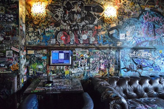 Detalle techo picture of coffeeshop hill street blues for B b amsterdam