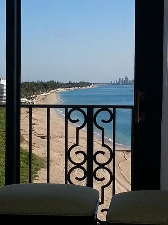 The Breakers: Oceanfront Suite Balcony (side view)