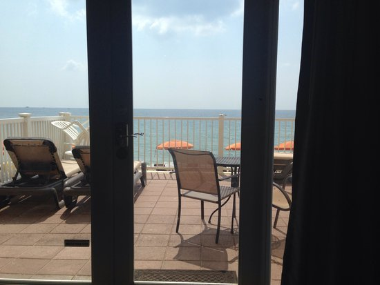 Sun Tower Hotel & Suites on the beach: View from our bed!
