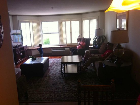 Spacious Living Room Picture Of Cow Hollow Motor Inn And