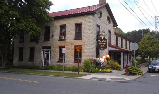 Beautiful historic for Saratoga springs pet friendly hotels