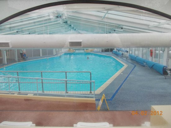 Swimming pool picture of warner leisure hotels gunton - Suffolk hotels with swimming pool ...