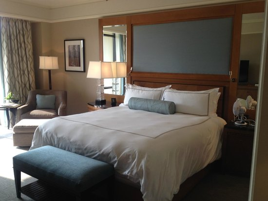 The Umstead Hotel and Spa: Beautiful room