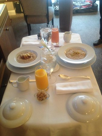 The Umstead Hotel and Spa: Room Service, breakfast