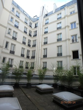 Helzear Champs Elysees : view from the room