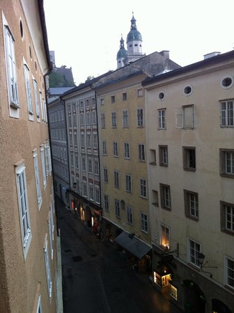 Radisson Blu Hotel Altstadt, Salzburg: View from window right in the centre of old town