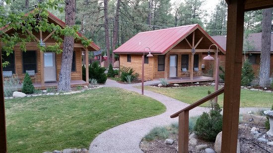 Shadow Mountain Lodge and Cabins: The Porch