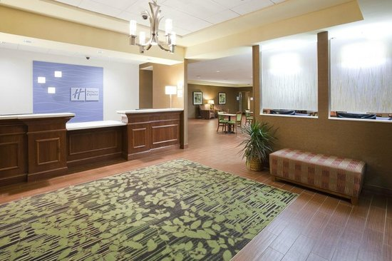 ‪Holiday Inn Express Hotel & Suites Willmar‬