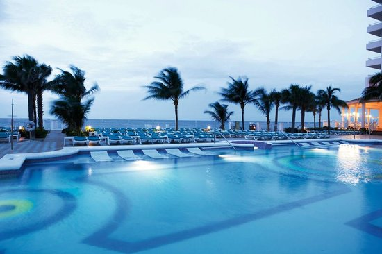 Photo of Riu Palace Paradise Island