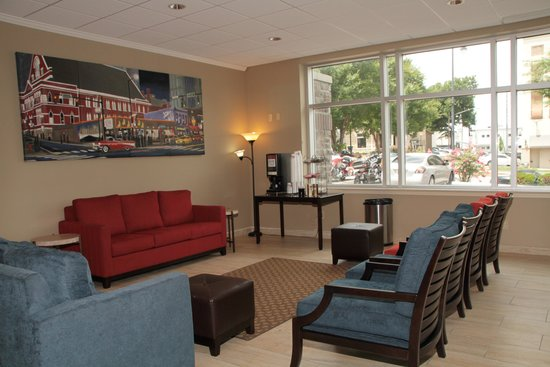 Photo of Comfort Inn Downtown Nashville