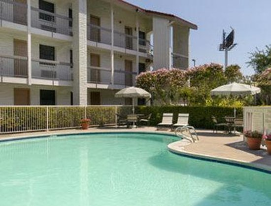 Stay Express Inn & Suites Houston Hobby Airport