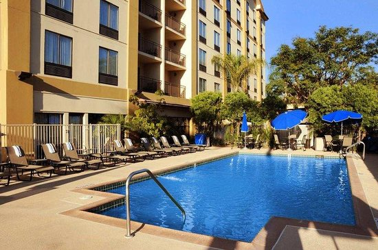 Pool picture of hampton inn and suites los angeles for Garden grove pool