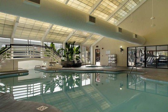 Indoor Pool And Whirlpool Picture Of Hilton Washington Dc Rockville Executive Meeting Center
