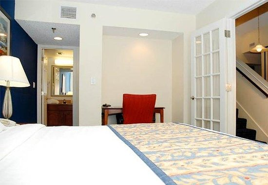 Two bedroom penthouse suite picture of residence inn miami airport west doral area doral for Hotels with 2 bedroom suites in miami