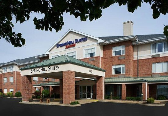 Photo of SpringHill Suites Chesterfield