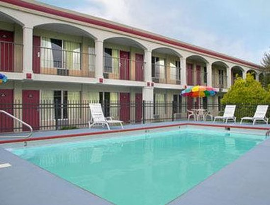 SUPER 8 MOTEL - ASHLAND/RICHMOND AREA