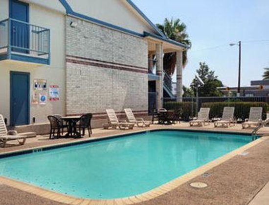 Days Inn San Antonio Southeast