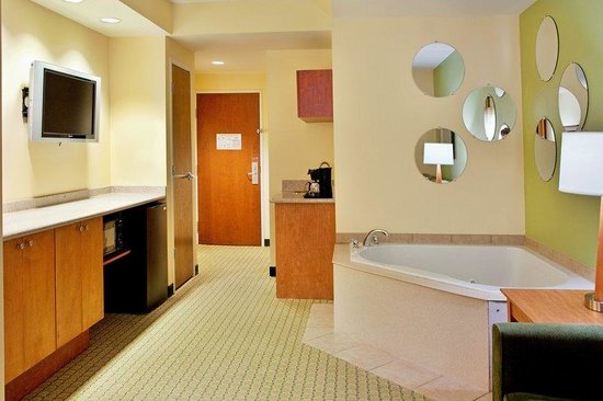 Charleston Hotels With Jacuzzi In Room