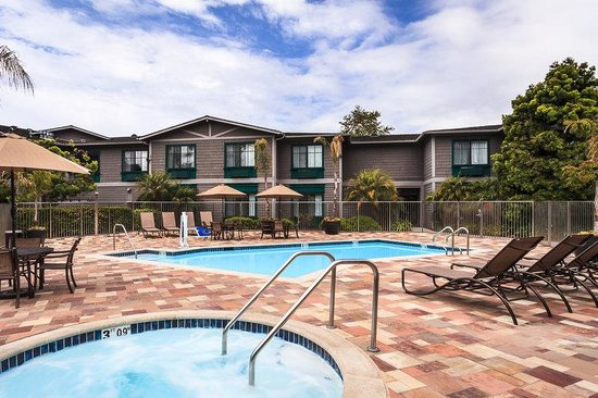 Swimming pool picture of holiday inn express hotel suites carpinteria carpinteria tripadvisor Holiday inn hotels with swimming pool