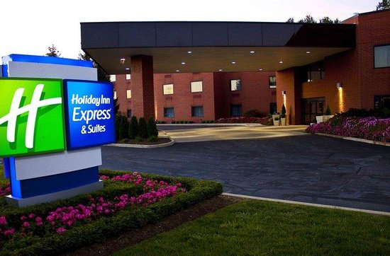 Holiday Inn Express Mentor (Lamalfa Conference Center)