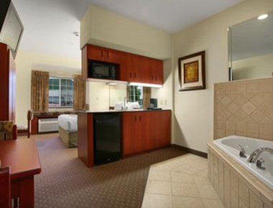 Photo of Microtel Inn & Suites By Wyndham Indianapolis Airport