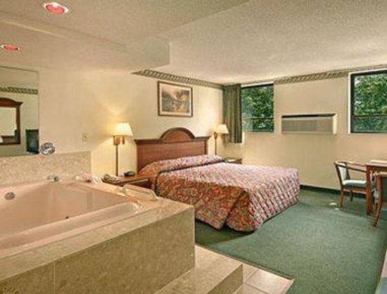Jacuzzi Hotel Rooms In Chicago Il
