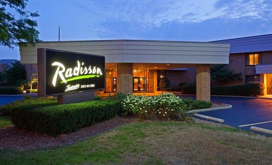 Radisson Hotel Milwaukee North Shore
