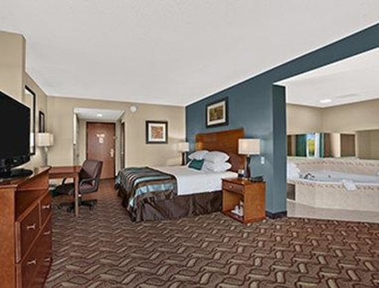 Hotels In Erie With In Room Jacuzzi