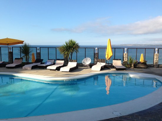 Panorama sulla baia picture of carbis bay hotel spa st ives tripadvisor for Cornwall hotels with swimming pools