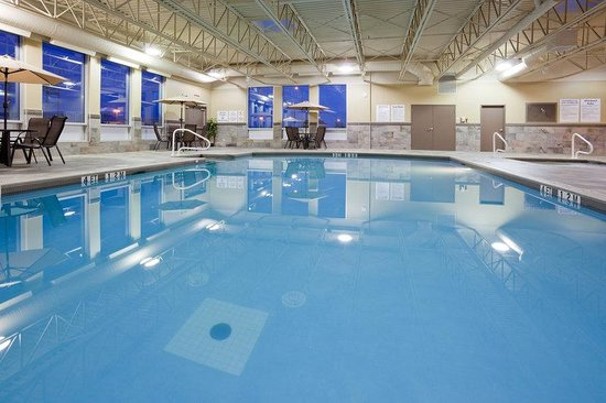 Swim In Our Wonderful And Relaxing Indoor Heated Pool Picture Of Holiday Inn Pointe Claire