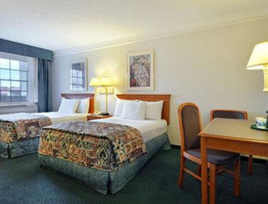 Baymont Inn & Suites San Antonio Near South Texas Medical CE